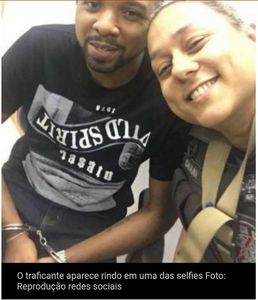 Resultado de imagem para fotos e imagens dos policiais que tiraram selfie com o traficante 157